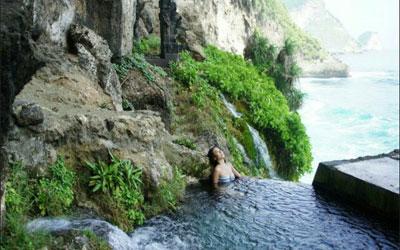 Peguyangan Waterfall Nusa Penida